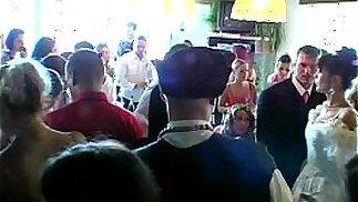 Le puttane del matrimonio scopano in pubblico
