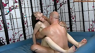 Sensual Oil Body with Fucking