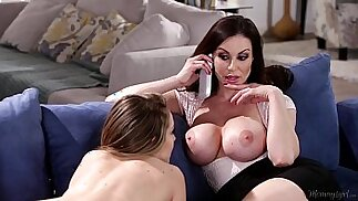 Busty Mommy Kendra Lust and Kimmy Granger