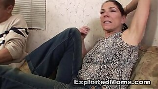 Amateur Mom does a Black Cock in her first Sex Milf Video