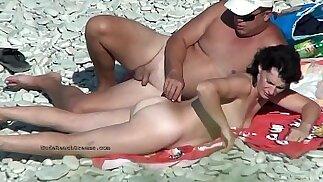 Video speciali da vere spiagge nudiste