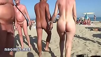 tappo della spiaggia pubblica agde di naomi slut